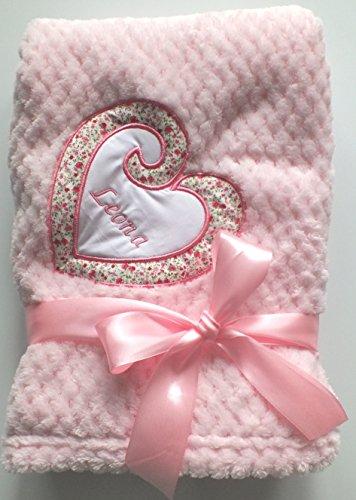 Kuschlige-romantische Mädchen+Jungen Babydecke Decke mit Herz und Namen bestickt 75 x 100 cm -