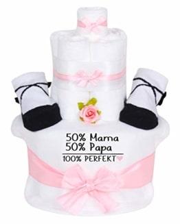 Trend Mama Windeltorte im Geschenkkarton Mädchen - Babysocken + hochwertig bedrucktes Lätzchen -Spruch-50% Mama 50% Papa 100% Perfekt - 1