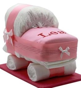 Windeltorte/Windelwagen rosa für Mädchen – mit besticktem, personalisierten Lätzchen & Glückwunschkarte - 1