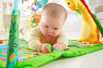Fisher-Price GXC35 - Rainforest Erlebnisdecke, Krabbeldecke mit Musik und Lichtern, Spieldecke für Babys mit weichem Spielbogen, ab 0 Monaten, mit Tukan, Abweichungen in Verpackung vorbehalten - 4