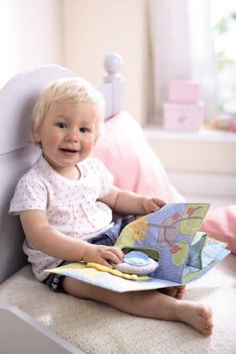 Haba 300146 - Stoffbuch Elefant Egon, weiches Knisterbuch mit vielen Fühl- und Spieleffekten, wunderschön gestaltetes Babyspielzeug ab 6 Monaten - 3